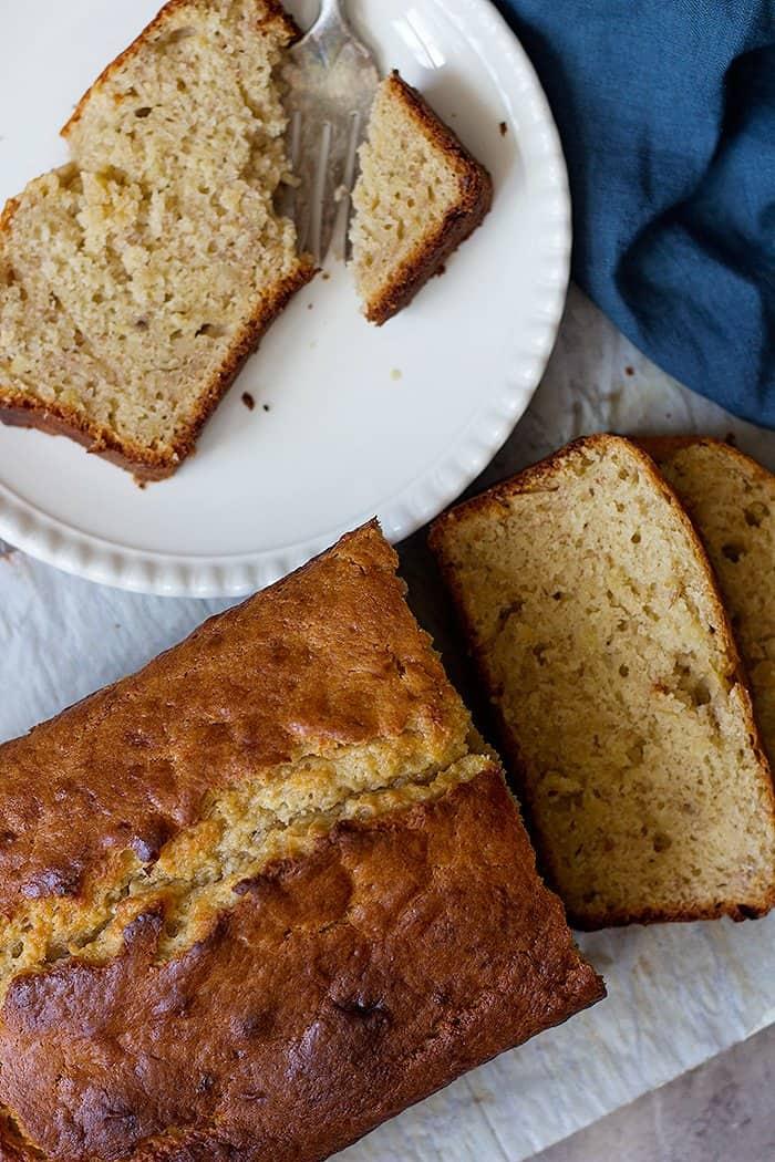 Simple banana bread recipe with sour cream