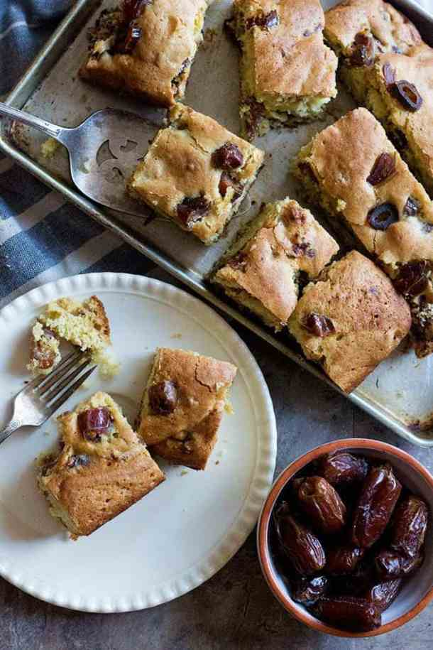 Learn how to make a delicious date cake that's perfect for a midday snack or breakfast. This date cake recipe is easy and calls for a few ingredients.