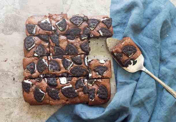 Oreo brownies recipe is easy and you can make it in no time!