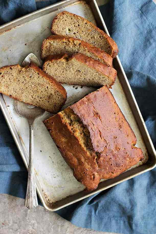 An easy and really delicious almond flour banana bread is what you need for breakfast! This banana bread with coconut oil is low carb and super moist!