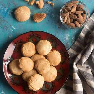 Turkish Almond Cookies (Only 4 Ingredients!)