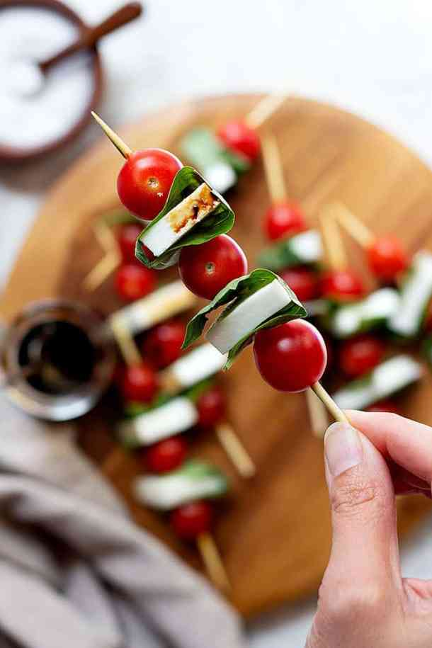 Easy appetizers made with mozzarella, tomatoes and basil.