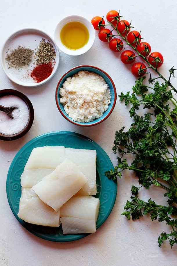 To make this recipe, you need cod fillets, parmesan cheese, olive oil and spices.