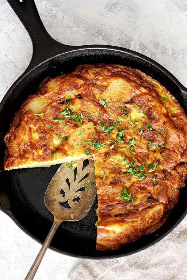 You can make this Spanish omelette in a cast iron. If cooked properly, Spanish tortilla is easy to slice and serve.