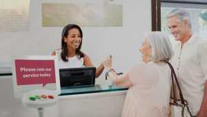 Happy Or Not HappyOrNot Servicequalität steigern Kunden Mitarbeiter Schalter Counter Kasse Zahlung