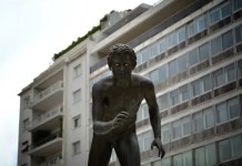 DISJUNCTION 8 Young runner statue on Syntagma square