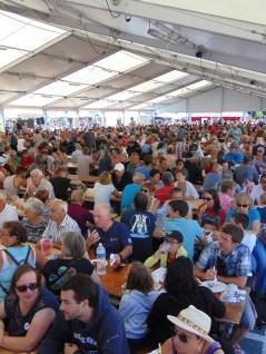 Il y a foule ce dimanche au village celte