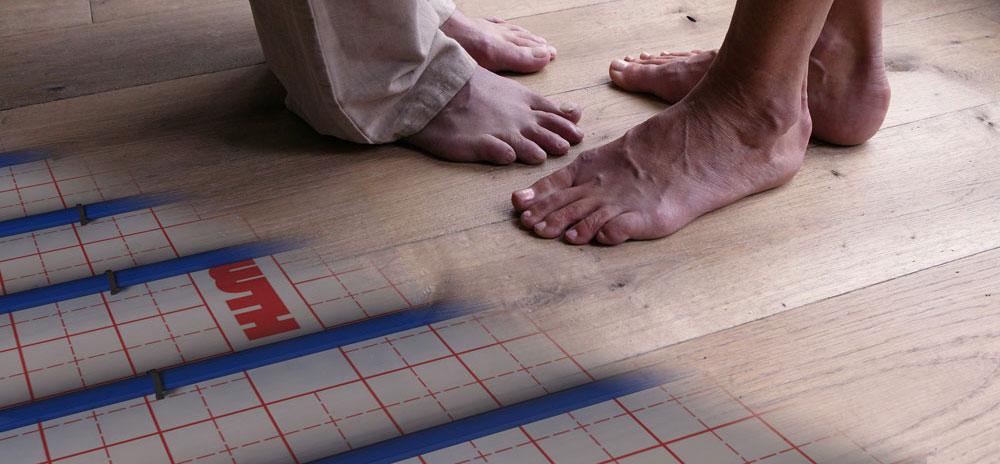 Vloerverwarming parketvloeren schuren of schade aan de parketvloer parketvloer specialisten - Parket aan de muur ...