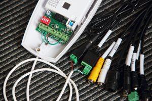 DIY: WiringConnecting a PIR motion sensor to IP cameras