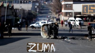 Army enters In streets South Africa