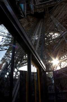 eiffel strair photo
