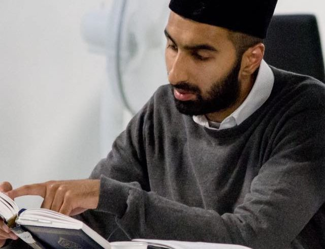 Kombinerer muslimsk tro og studier