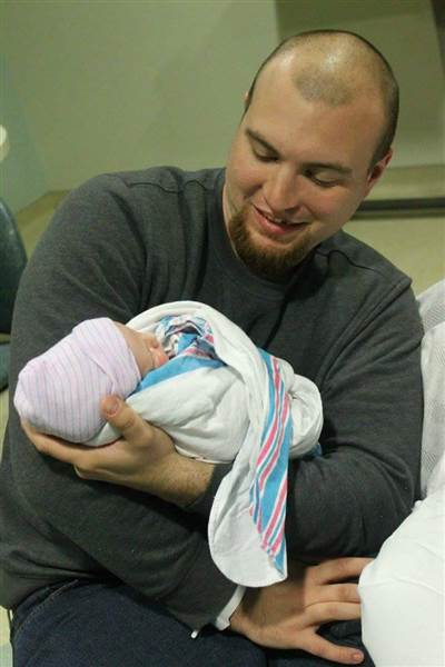 Devastated Dad Announces Sons Birth And Partners Death In One Photo man announces birth death today 170518 06 f1c33dcef07f2306a53782d739257a8c.today inline large