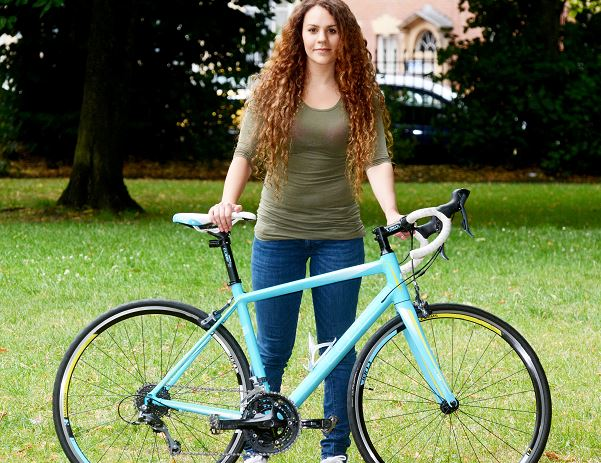 Woman Steals Own Bike Back Off Thieves After Seeing Ad For It Online Capture bike 1