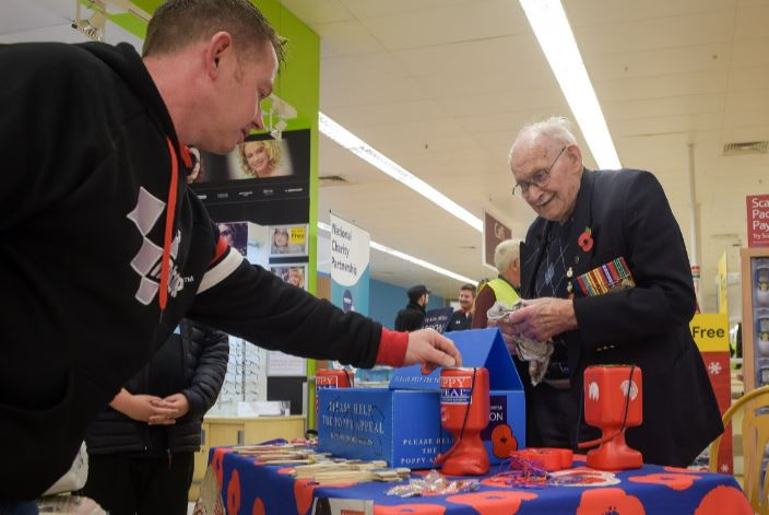 100 Year Old Auschwitz Survivor Still Sells Poppies At His Local Store Capture 24