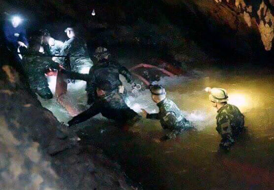 Football Coach Kept Thai Boys Trapped In Cave Calm By Meditation thaicave1