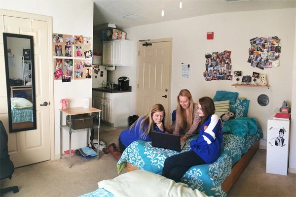 dorm-with-people