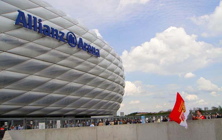Union fans at Allianz Arena gates