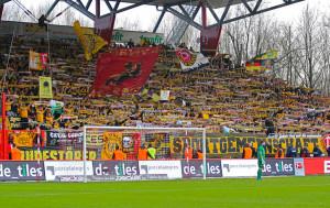 Dresden's yellow masses at Alte Försterei