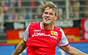 Sören Brandy celebrates his 1:0