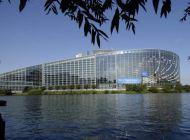 Il Parlamento Europeo approva la risoluzione che impegna gli stati membri a porre fine al lavoro precario