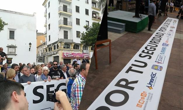 Union de Guardias Civiles, UnionGC, en la manifestación contra la violencia y la droga en Algeciras