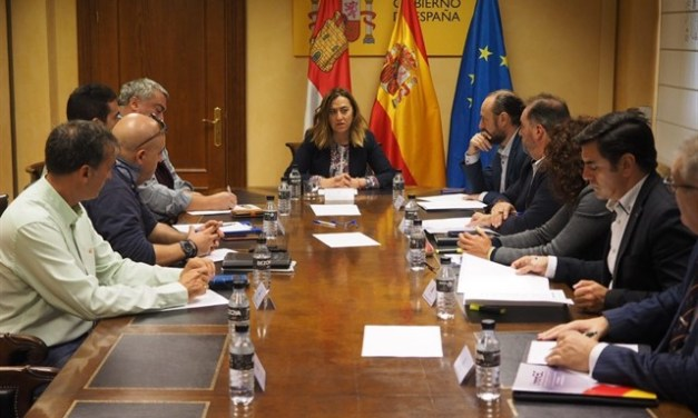 La Delegada del Gobierno en Castilla y Leon confirma la equiparacion salarial a asociaciones y sindicatos