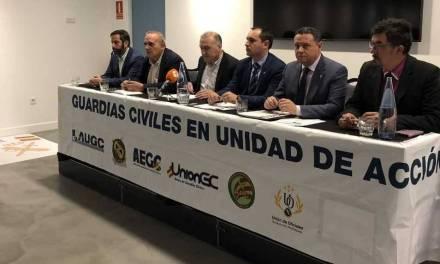 Las asociaciones de la Guardia Civil denuncian en los tribunales al Ministro del Interior