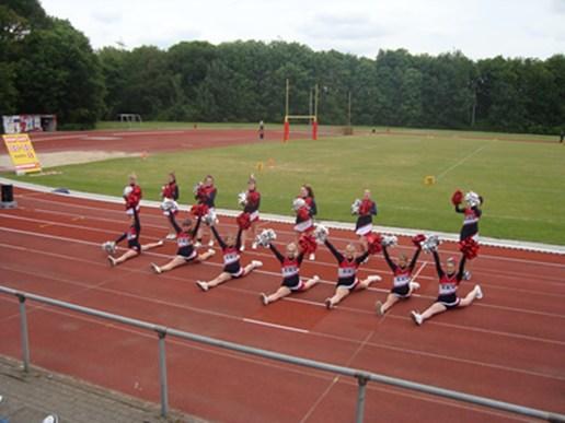 2012 FootballJuni2012-08 Spagate