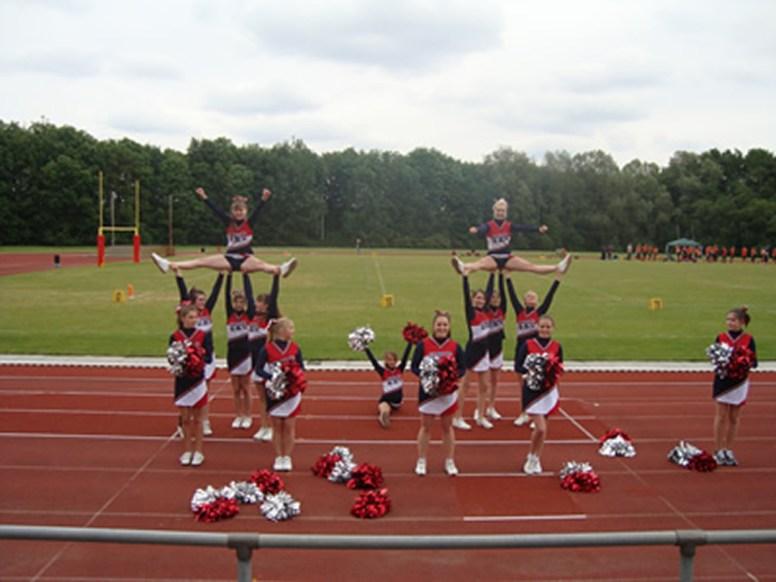 2012 FootballJuni2012-11 Straddle Sits