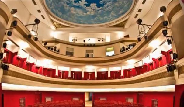 teatru Frumoasa nebunie a adolescenței!