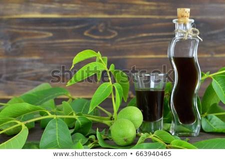 Lichiorul de nuci verzi, băutura fină de Crăciun