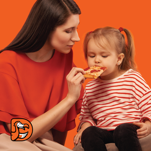 Petrecere cu pizza și micii pizzari