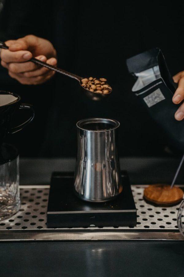 pexels photo 4927142 6 moduri de preparare a cafelei