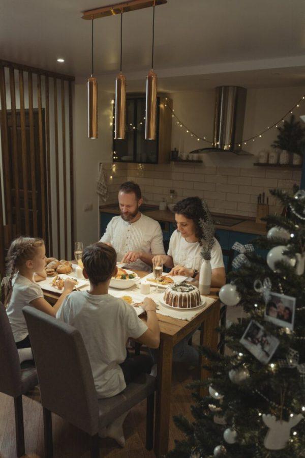 pexels photo 5814083 5 recomandări pentru a mânca în familie