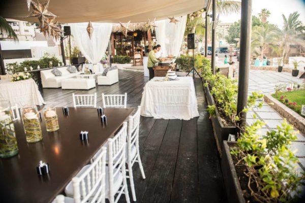 Lounge Black and White Wedding (16)