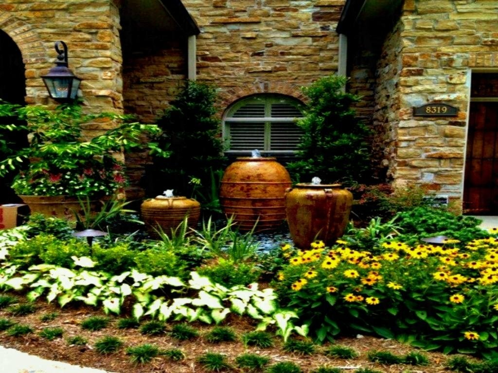 10 Pretty Small Front Yard Landscaping Ideas On A Budget 2020 on Cheap Backyard Ideas For Small Yards id=92092