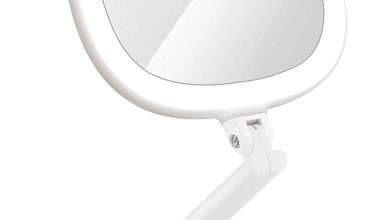 How to Choose the Right Travel Mirror