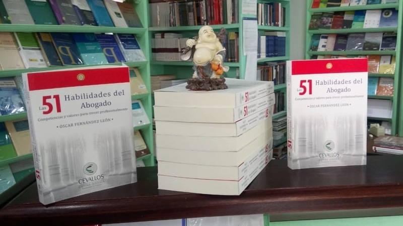 Portada del libro - 51 habilidades del abogado
