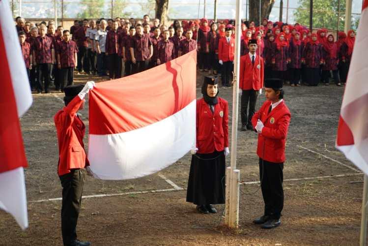 upacara bendera di unsbank