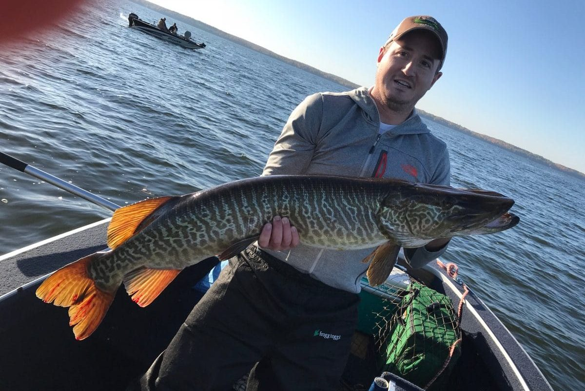 musky fishing on wisconsin lake