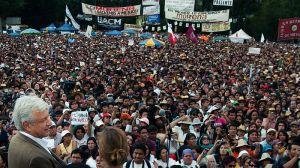 Andrés Manuel López Obrador en la Plaza de Tlatelolco, Wikipedia Creative Commons