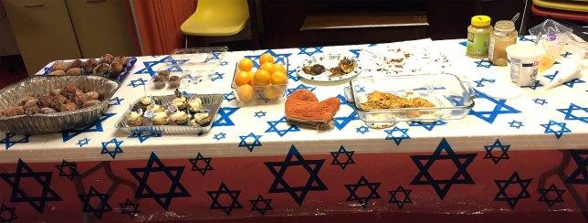 18-12-08_hanukkah-party-01
