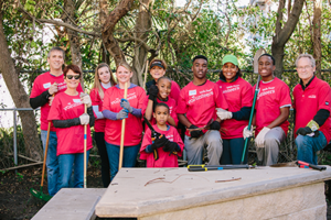 Wells Fargo team members helped beautify the campus of The Bridge of Jacksonville.