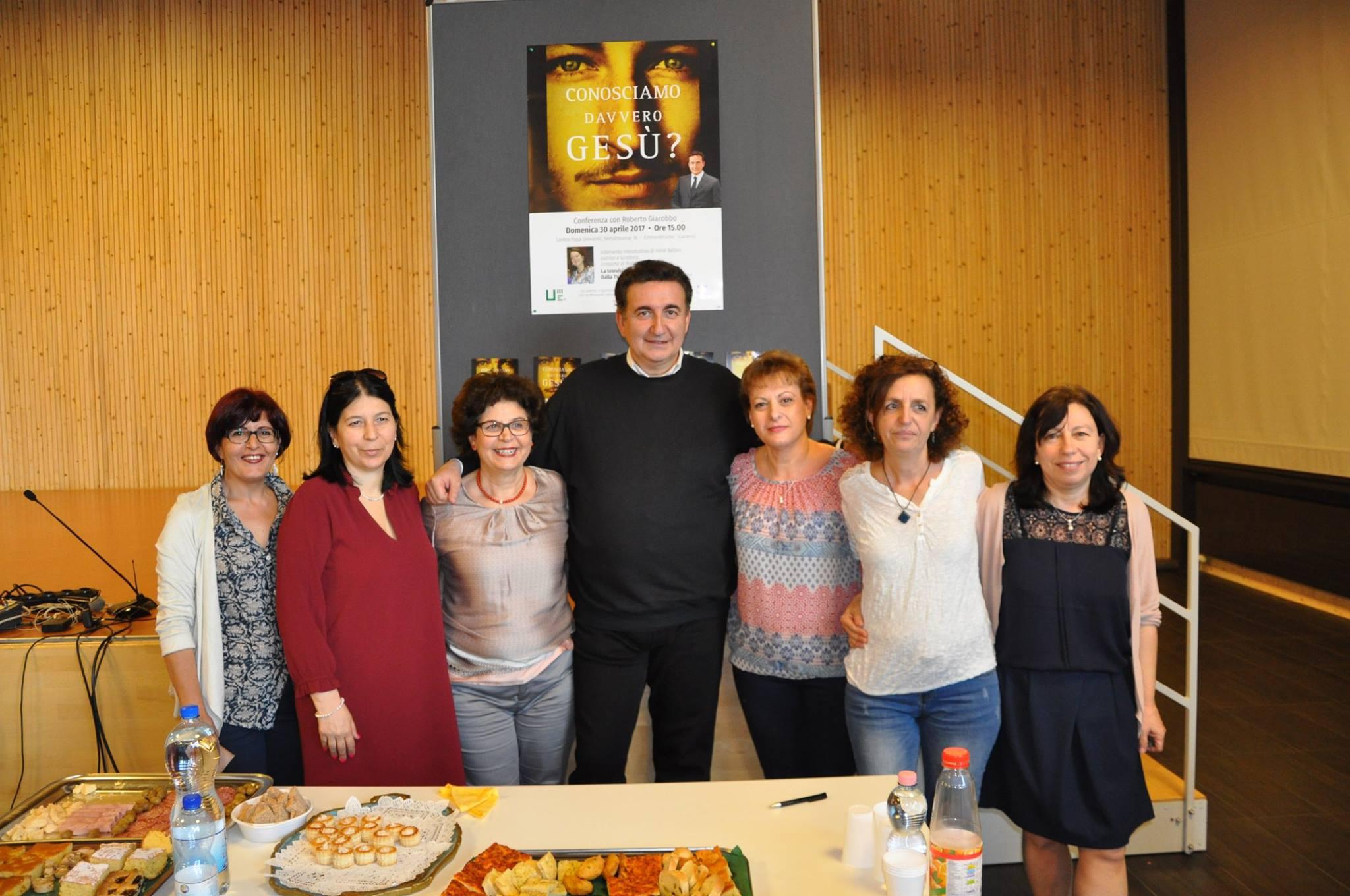 Giacobbo e il team organizzazione eventi