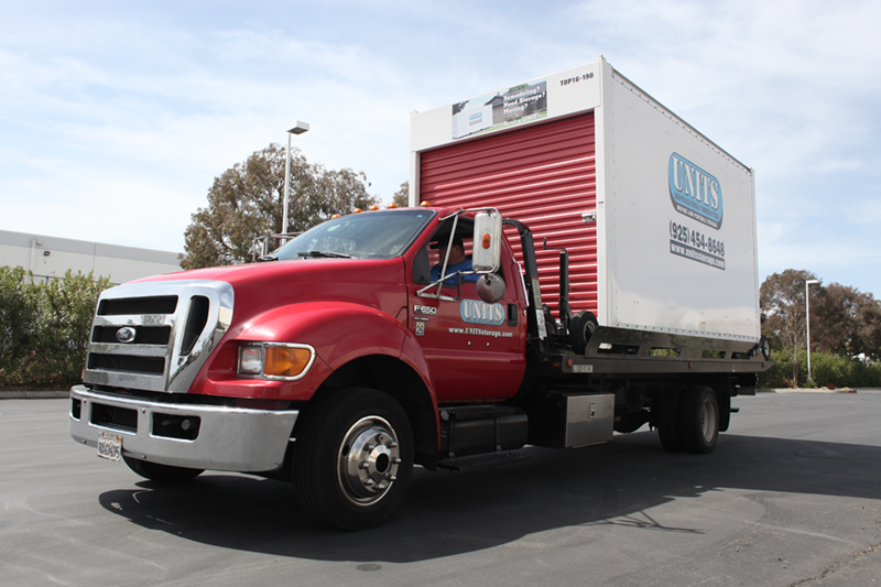 UNITS Truck Used By The Leading Moving Company In Castro Valley
