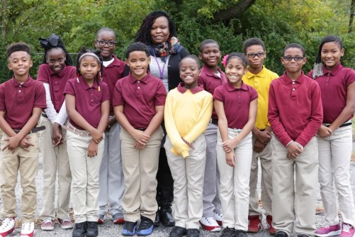 Grade 4 group picture with teacher Mrs. Sayles
