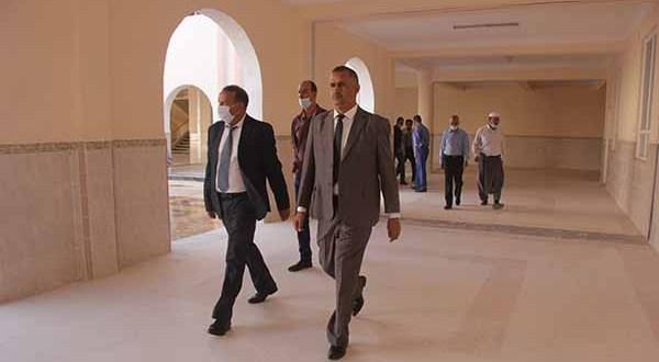زيارة ميدانية إلى القطب الجامعي 03 من طرف السيد والي ولاية غرداية مع مدير جامعة غرداية