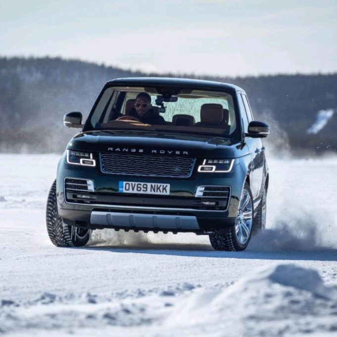unnamed-1-12-681x681-1 Anthony Joshua shows off driving skills with 2021 Range Rover SUV