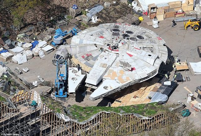 millennium falcon star wars 8